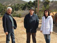 Προχωρούν τα προπαρασκευαστικά έργα του Δήμου για την αποχέτευση στην Καλλιθέα Πεντέλης. Επιτόπια επιθεώρηση της Δήμαρχου Δήμητρας Κεχαγιά.