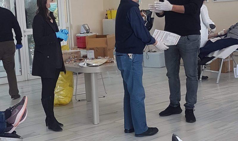 Με μεγάλη επιτυχία, έγινε η σημερινή αιμοδοσία στο Δήμο Πεντέλης παρουσία του Υπουργού Υγείας Βασίλη Κικίλια. Νέα αιμοδοσία στις 7/4