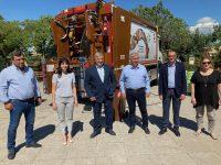 Ένα σύγχρονο απορριμματοφόρο και 80 κάδοι συλλογής βιοαποβλήτων στην υπηρεσία του Δήμου Πεντέλης