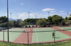 H μίσθωση των γηπέδων τένις φέρνει στο Δήμο ετήσια έσοδα πάνω από 50.000 € αντί 3.000 € και δημιουργεί σοβαρά ερωτήματα για τη διαχείριση της προηγούμενης δημοτικής αρχής